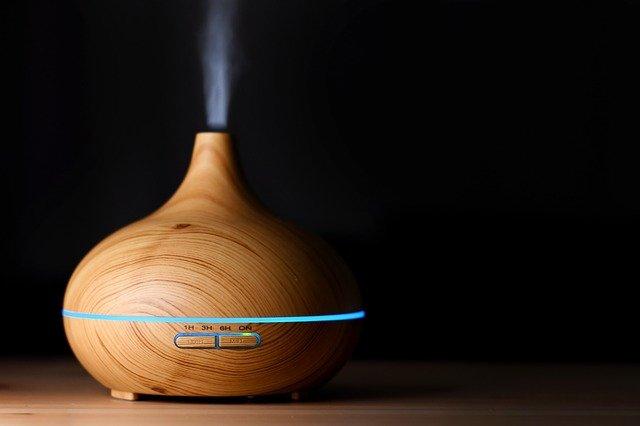 Diffuser Oil Aroma Sleep  - asundermeier / Pixabay